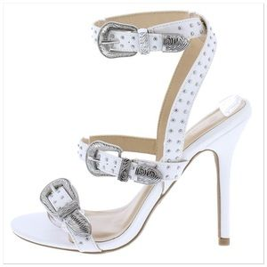 Shoes - 🆕White Studded Ankle Strap Sandal Western Buckles